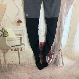 ALO Yoga Pants - SOLD NEW ALO Yoga Stormy Black Goddess Leg